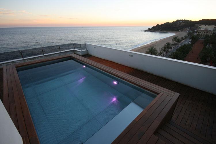 Piscinas de acero inoxidable recoder piscines maresme for Piscinas de acero