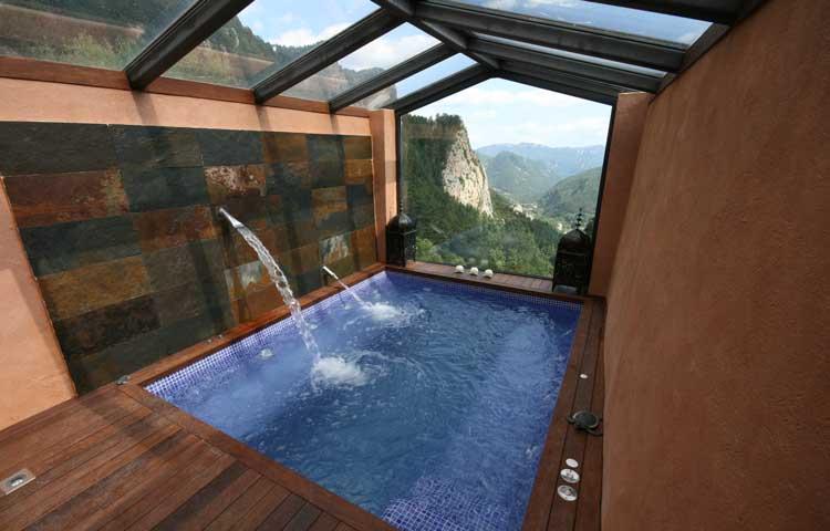 Piscina spa a medida piscinas o spas a medida de inox o for Medidas de piscinas de obra